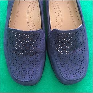 7W Trotters Blue Loafers - Stylish!